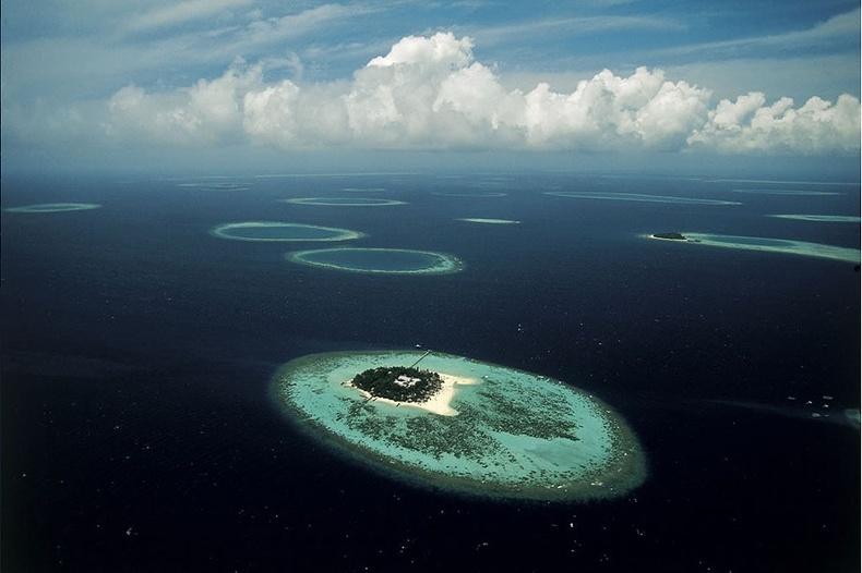 Мальдивын нүд хэмээх арал - Мальдив