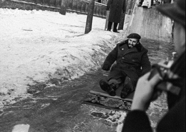 Гулгаж тоглож буй Фидель Кастро. Москва, 1964