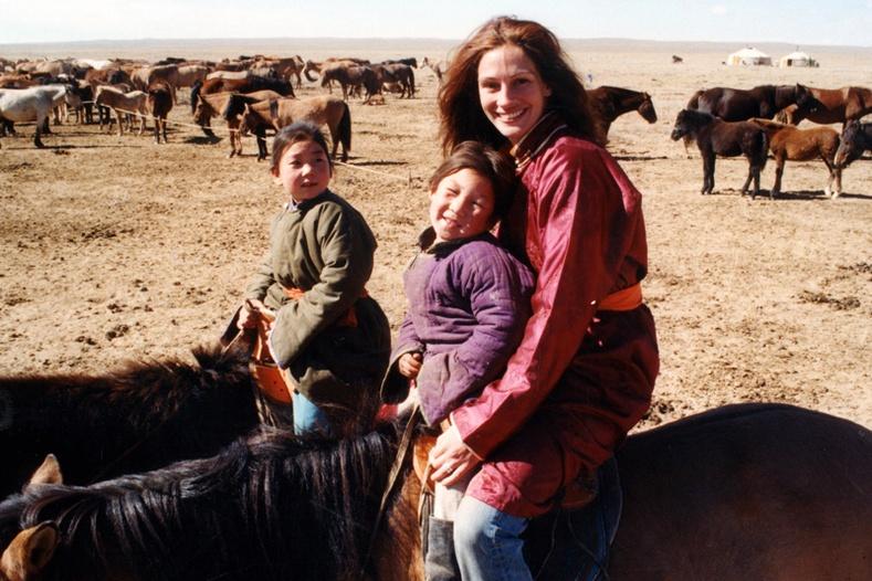 Жулиа Робертсын Монголд хийсэн баримтат кино