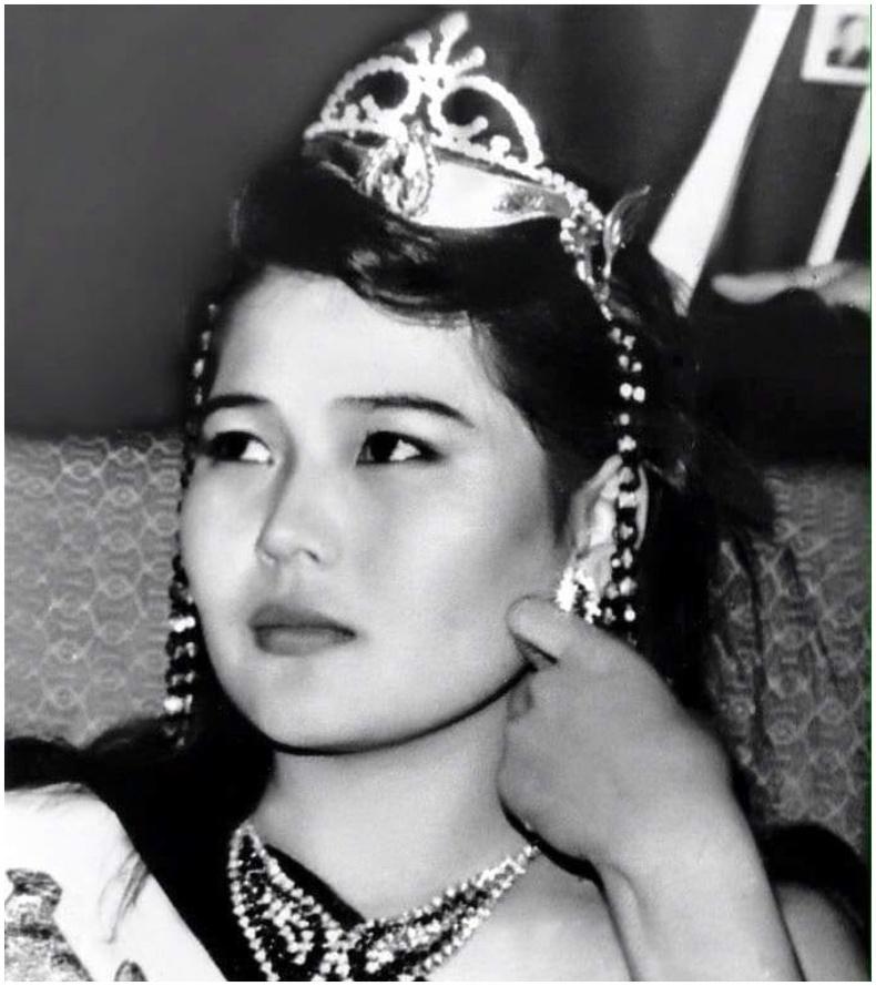 """1990 оны """"Монголын сайхан бүсгүй"""" тэмцээний тэргүүн мисс Н.Мөнхцэцэг"""