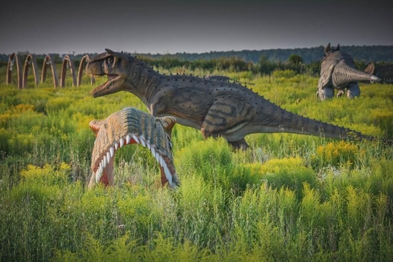 ОХУ-ын Тула дахь динозаврын парк баригдаж дуусалгүй дутуу орхигджээ