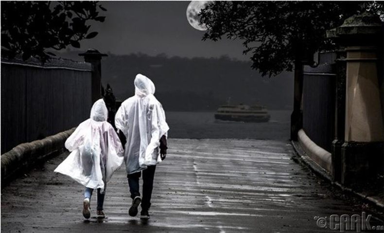 Хэрвээ шөнийн 12 цагт бороо орж байсан бол 72 цагийн дараа нартай байх боломжтой юу?