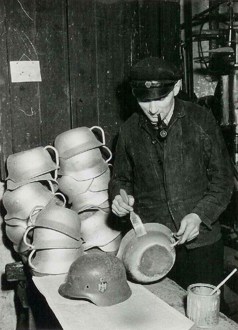 Герман цэргүүдийн дуулгаар тогоо хийж байгаа нь  - 1946 он, Дани