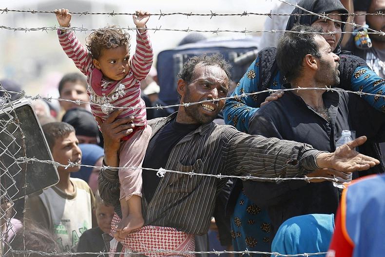 Дайны хөлд дарагдсан Сири улс