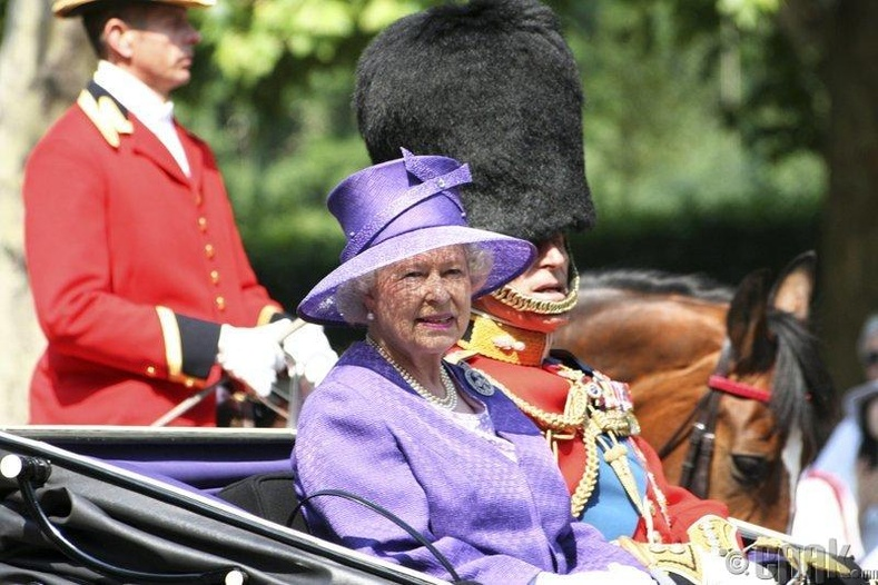 II Элизабет хатан хаан 5000 гаруй торгон цэрэгтэй