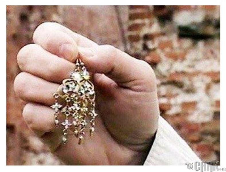 Мущерскийн очир алмазан ээмэг