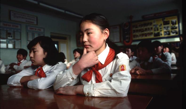 """35 жилийн өмнөх Монгол орон """"National Geographic"""" сэтгүүлийн гэрэл зурагчны дуранд..."""