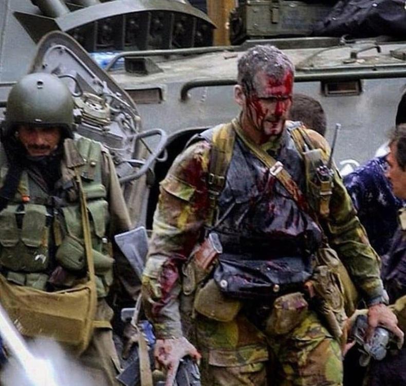 """Умард Осетийн Бесланы бүслэлтийн үеэр шархадсан """"Спецназ""""-ын цэрэг, 2004"""