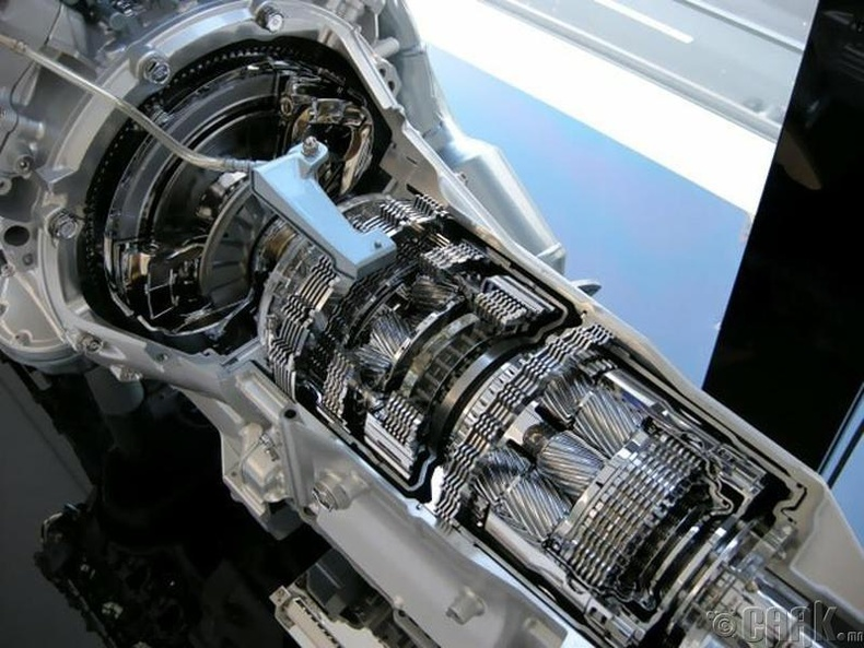 """Спорт загварын """"Lexus LS 460""""-ын 8 шатлалт хөдөлгүүр"""