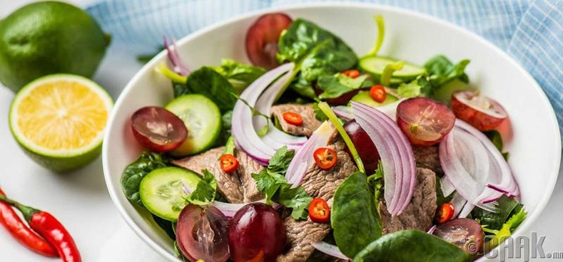 Салат бол хоол биш