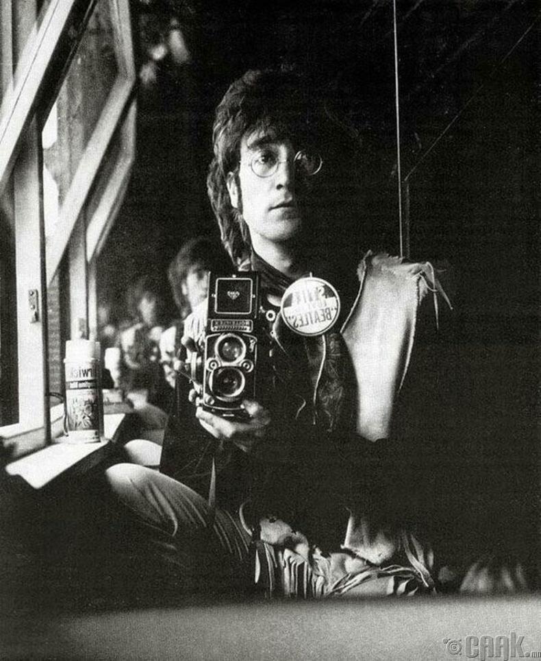 Битлз хамтлагийн дуучин Жон Леннон - 1967