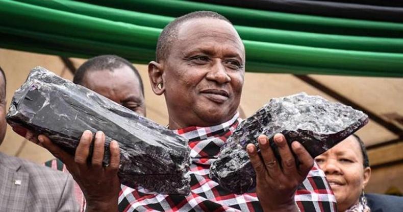 Дөрвөн эхнэртэй Танзани эр санамсаргүй олсон чулууныхаа ачаар 5 сая доллартай болжээ