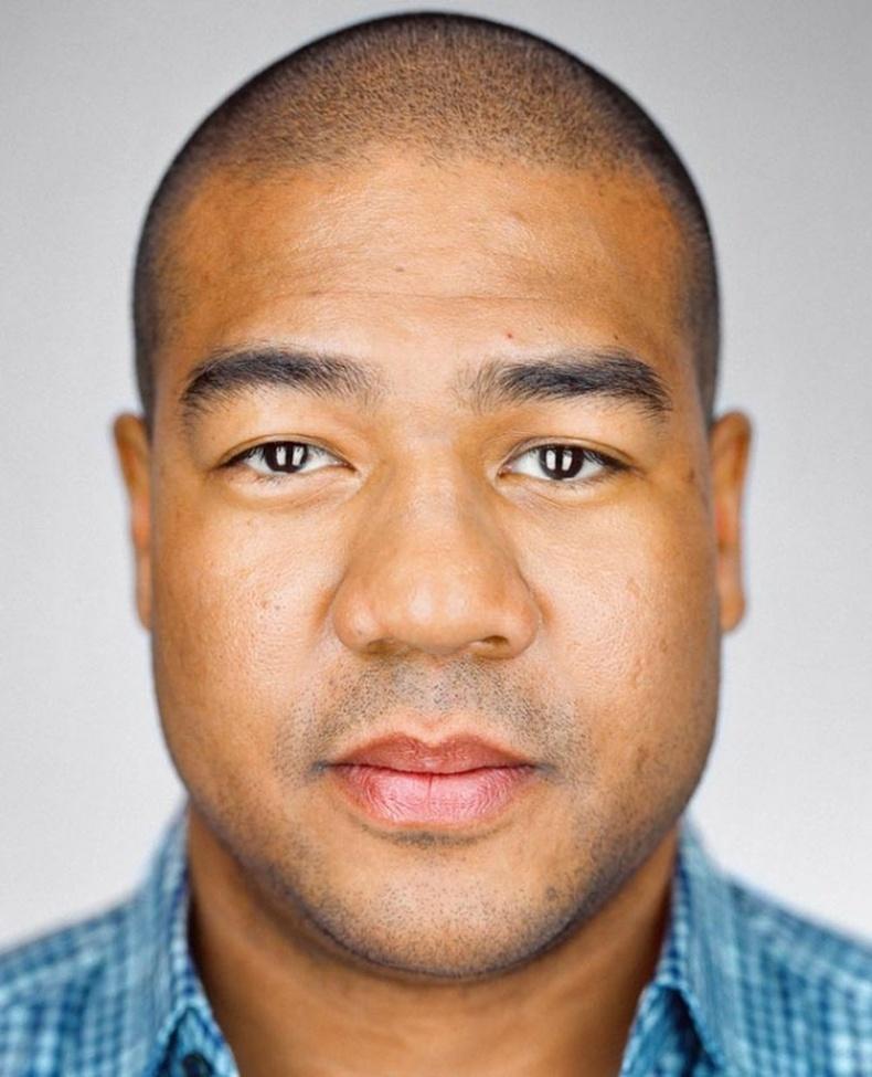 Кристофер Брэкстон - 33 настай, Брүүклин, Нью Йорк.
