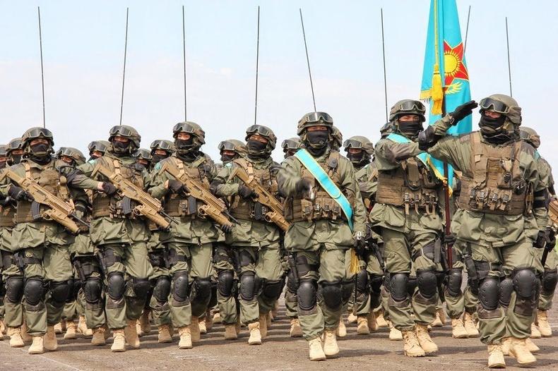 Беретта ARX буутай Казахстаны тусгай хүчний цэргүүд
