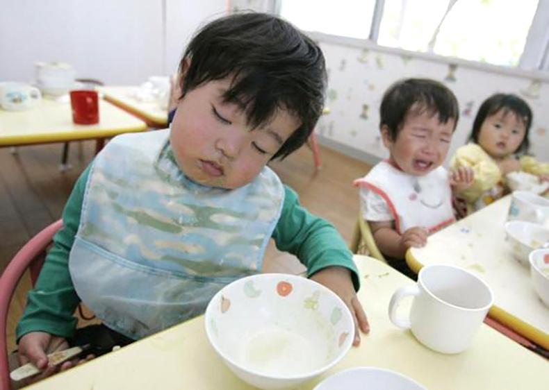 Япончууд хүүхдээ багаас нь ингэж хүмүүжүүлдэг!