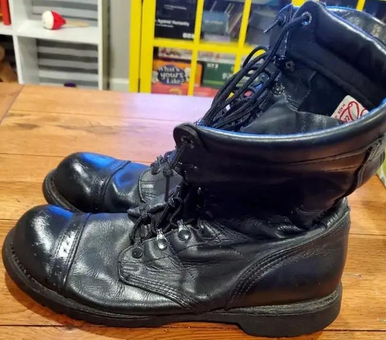 21 жилийн өмнө авч байсан гутал