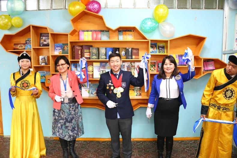 Худалдаа хөгжлийн банк ерөнхий боловсролын 13, 28 болон 72-р сургуулиудын номын санг тохижуулж өглөө