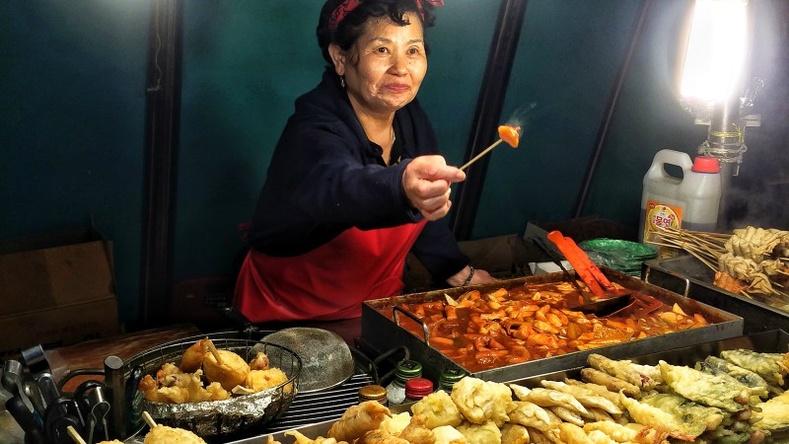 Улс орнуудад хооллох үедээ юу анхаарах ёстой вэ?