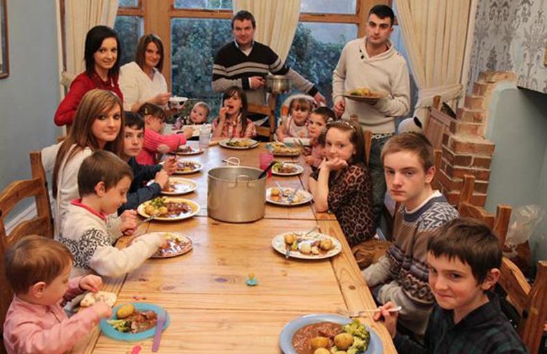 17 хүүхэдтэй айл хэрхэн хооллодог вэ?