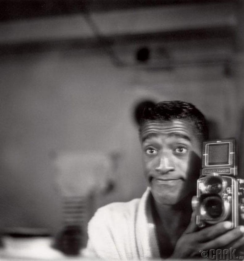 Дуучин, жүжигчин Сэмми Дэйвис (Sammy Davis, Jr) - 1950