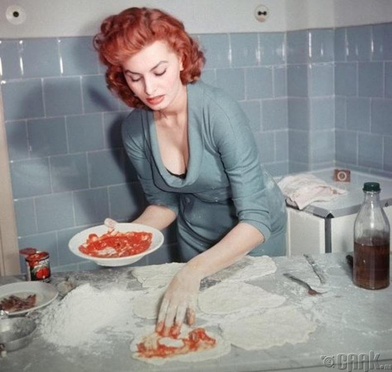София Лоурен (Sophia Lauren) пицца хийж байна