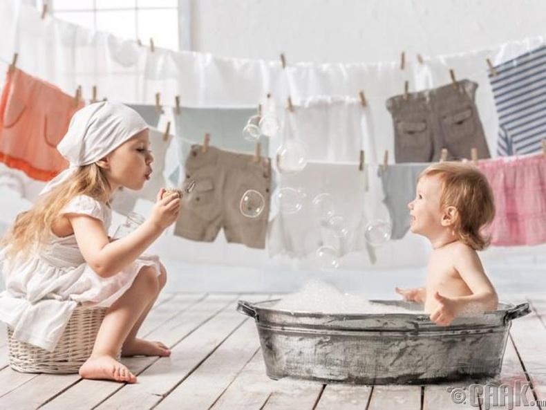 Хувцсаа угаах