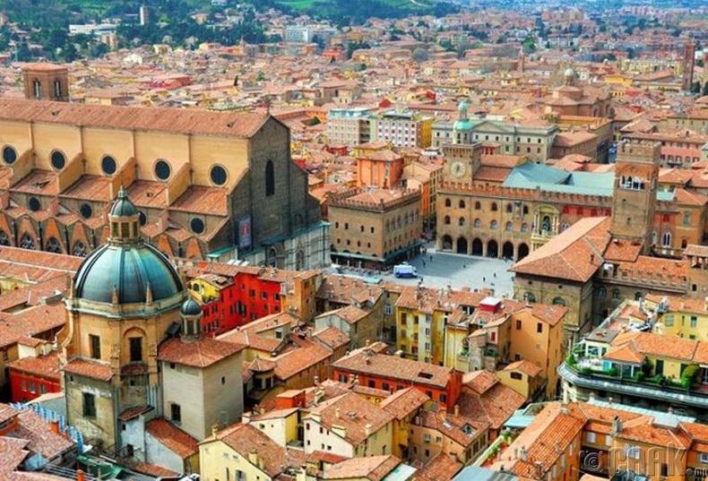 """""""Bologna""""-ийн их сургууль, Итали - 1,000 доллар"""