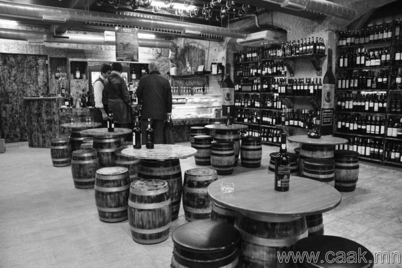 Португал - Нэг хүнд оногдох архины хэмжээ 10.84 литр