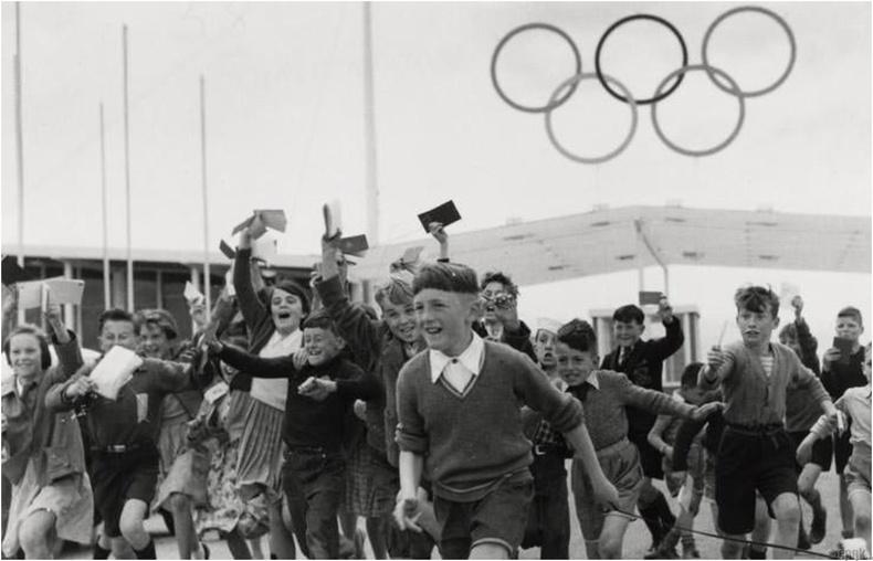 Мельбурн 1956: Суэцийн хямрал