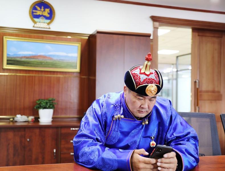 П.Бүрэнтөгс: Би Хийморио бодоод чонын зурагтай Төрийн банкны эко карт хэрэглэж, нийгмийн хариуцлагаа хэрэгжүүлдэг