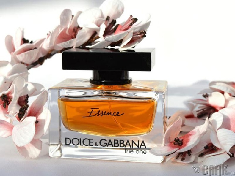 """The One Essence"" - ""Dolce & Gabbana"""