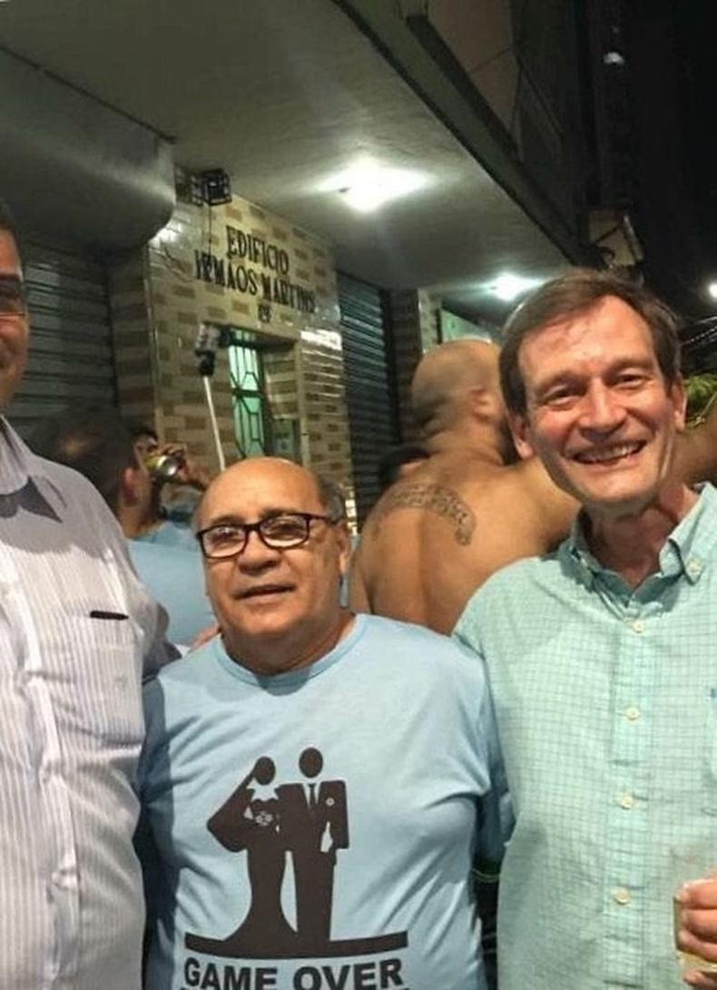 Дэнни ДеВито Бразилд дүрээрээ явж байна