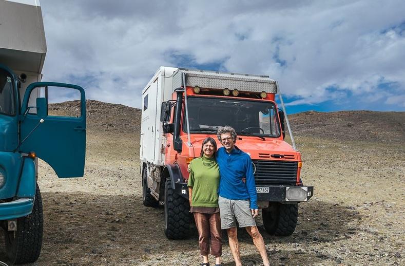 Бүх зүйлээ зараад дэлхийгээр аялж буй Австри гэр бүл Монголд ирсэн нь...