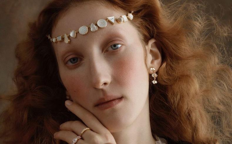 16-р зууны төрхтэй бүсгүй дэлхийн хамгийн эрэлттэй моделиудын нэг болжээ