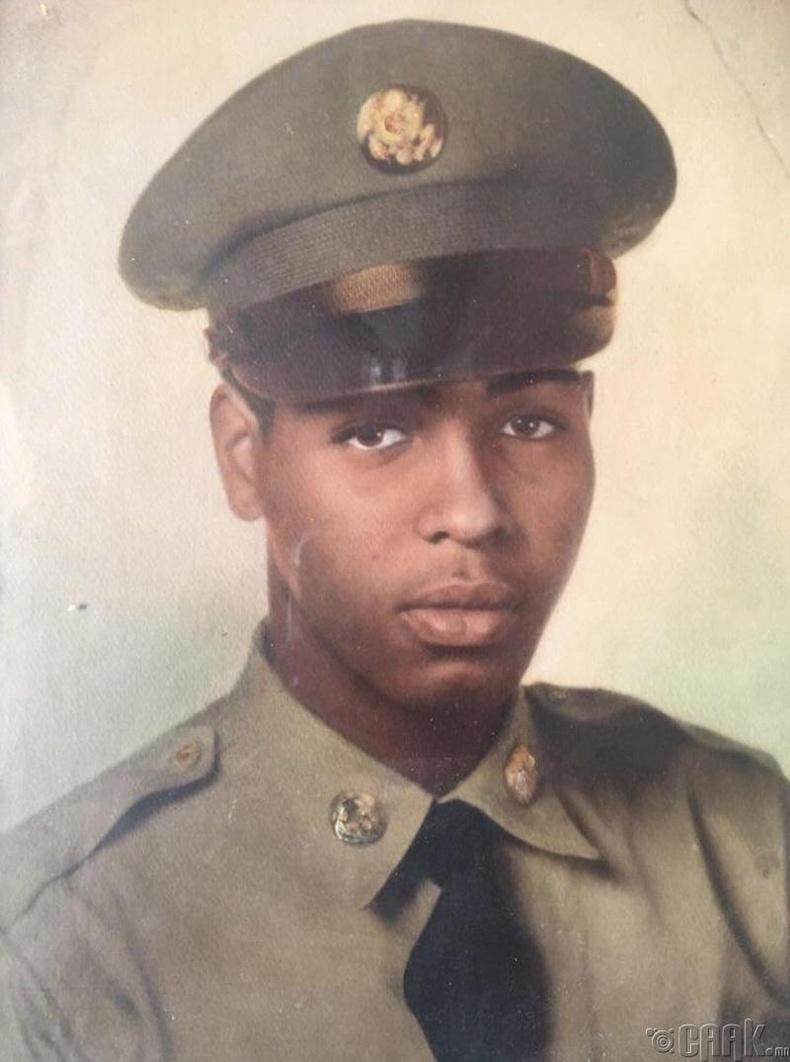 Өвөө минь 1950-аад онд
