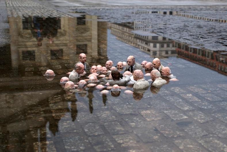 """""""Улс төрчид дэлхийн дулаарлын талаар хэлэлцэж буй нь"""" нэртэй баримал"""