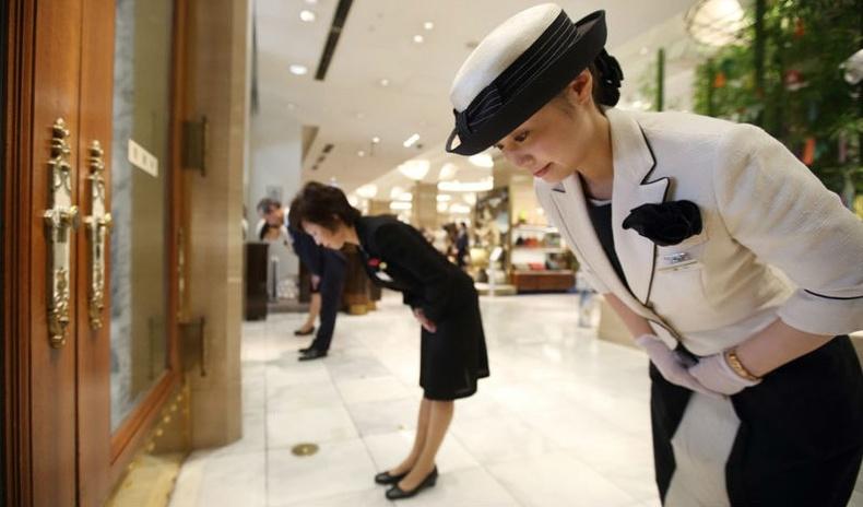 Японд цахилгаан шатанд түрүүлж орвол юу болдог вэ?