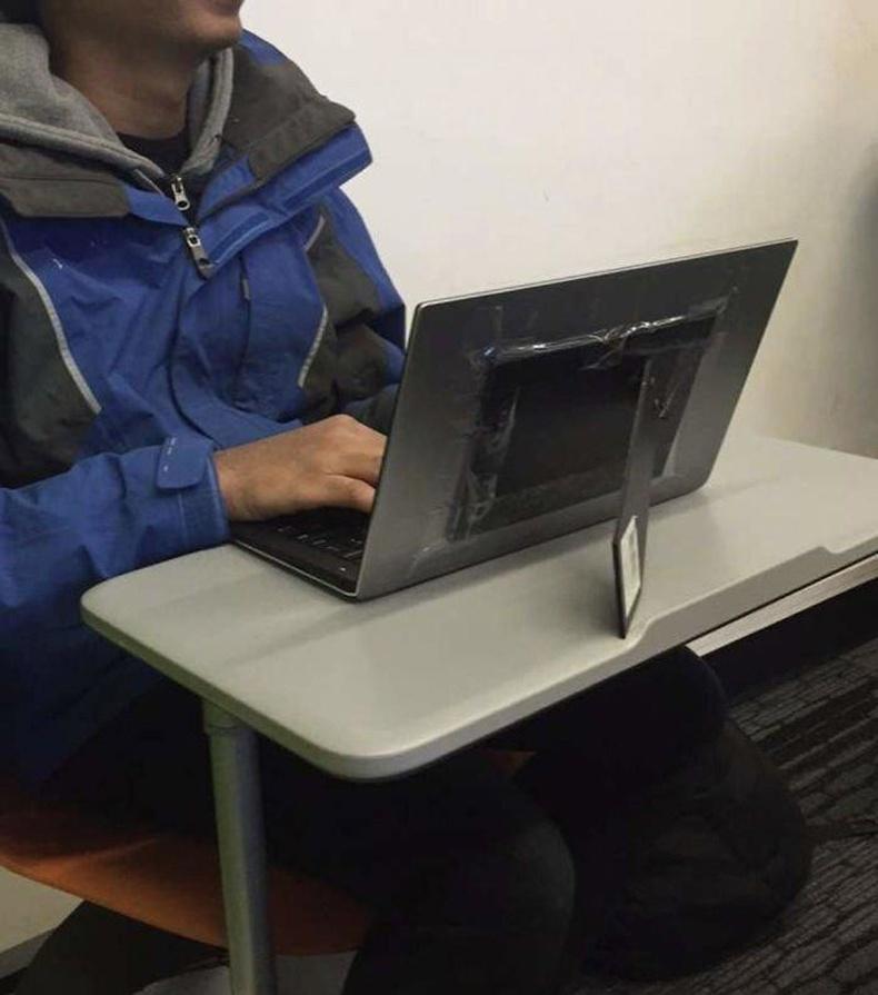 Лэптоп өөрөө тогтохгүй байх үед