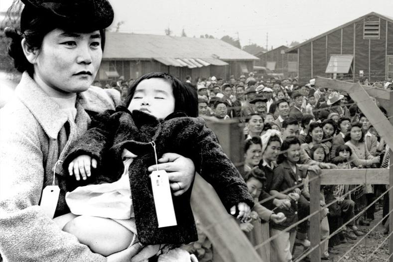Дэлхийн II дайны үед Америкт Япончуудыг цагдан хорисон тухай 12 баримт