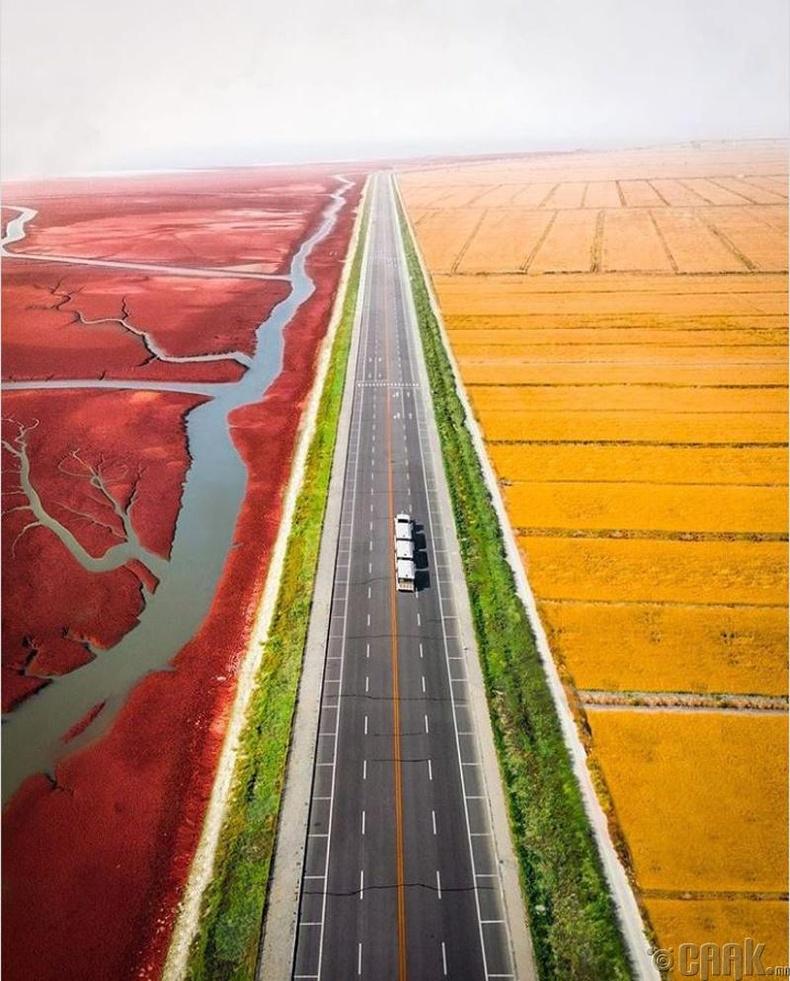 Улаан далайн эрэг, Хятад