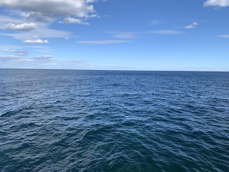 АНУ, Канадын хооронд орших Дээд нуур нь талбайн хэмжээгээр дэлхийн хамгийн том цэнгэг устай нуур юм