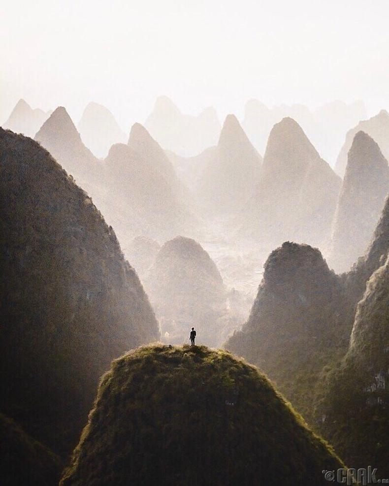 Толгодын дундах униар - Хятад, Гүйлин