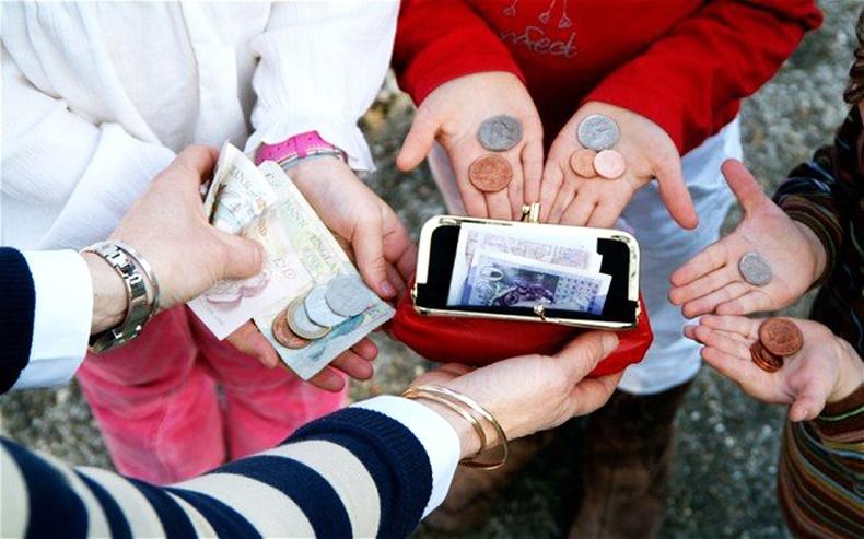 Хүүхдэд хэдий үед хэр их халаасны мөнгө өгөх ёстой вэ? Мэргэжилтнүүд хүүхдэд хэдий үед хэр их халаасны мөнгө өгөх ёстойг зөвлөжээ!