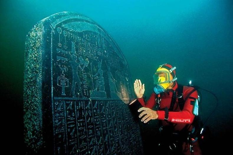 1200 жилийн өмнөх усан доорх хот