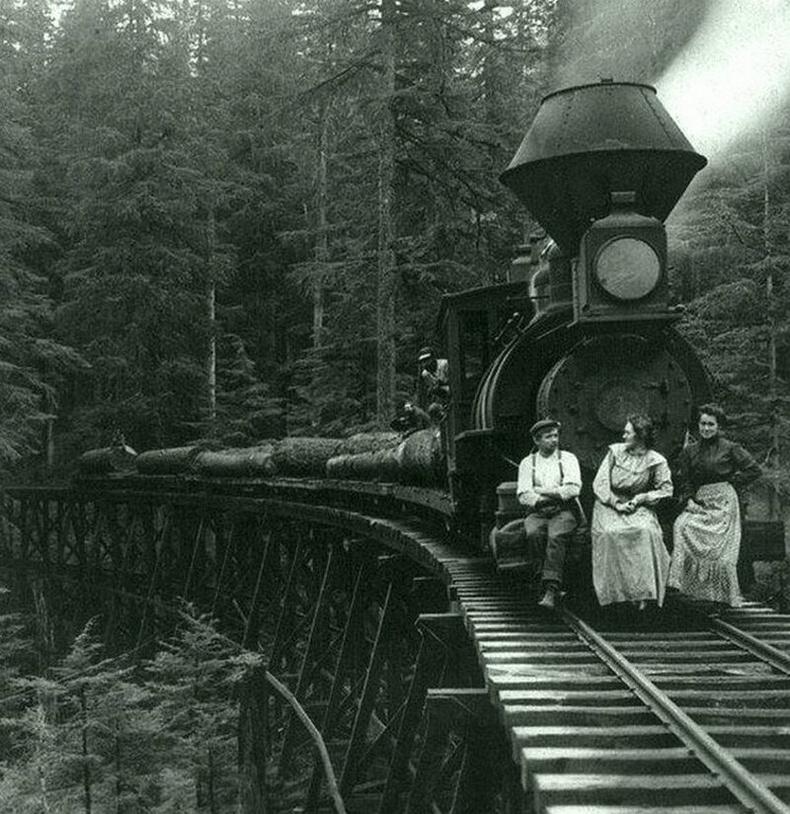 Мод бэлтгэлийн галт тэргээр зорчиж буй америкчууд, 1906
