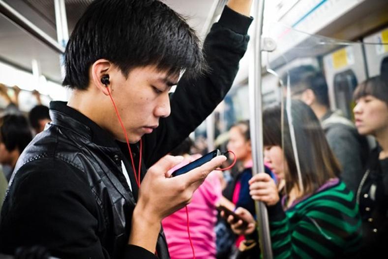 Ухаалаг утас эрүүл мэндэд хэрхэн сөргөөр нөлөөлдөг вэ?