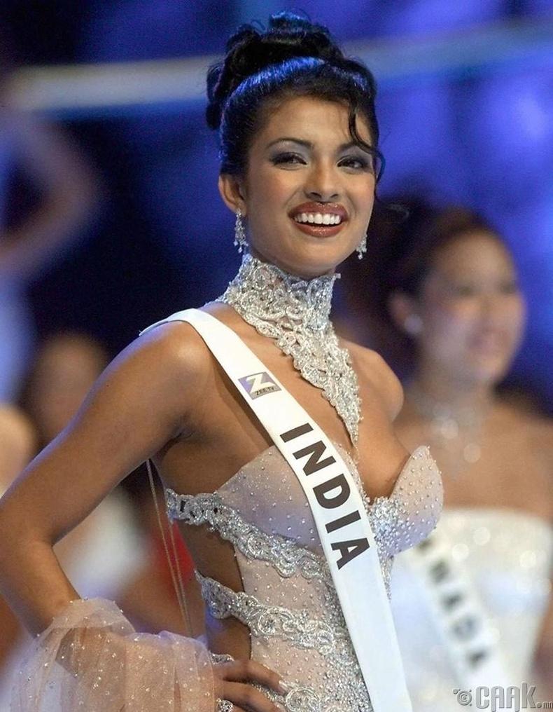 Приянка Чопра (Priyanka Chopra), Энэтхэг - 2000
