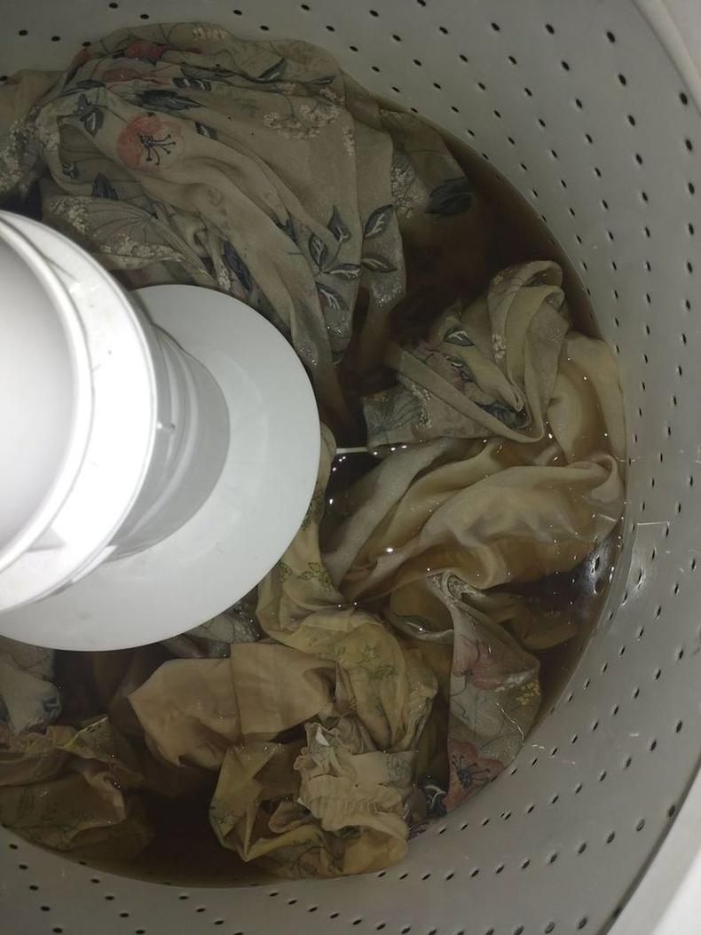10 жил байшинг нь түрээсэлж амьдарсан тамхичны өрөөн дэх хөшгийг угаатал: