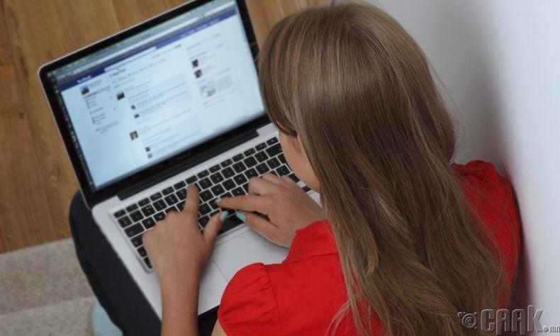 """""""Фэйсбүүк""""-ийг тань өдөр шөнөгүй ухна"""