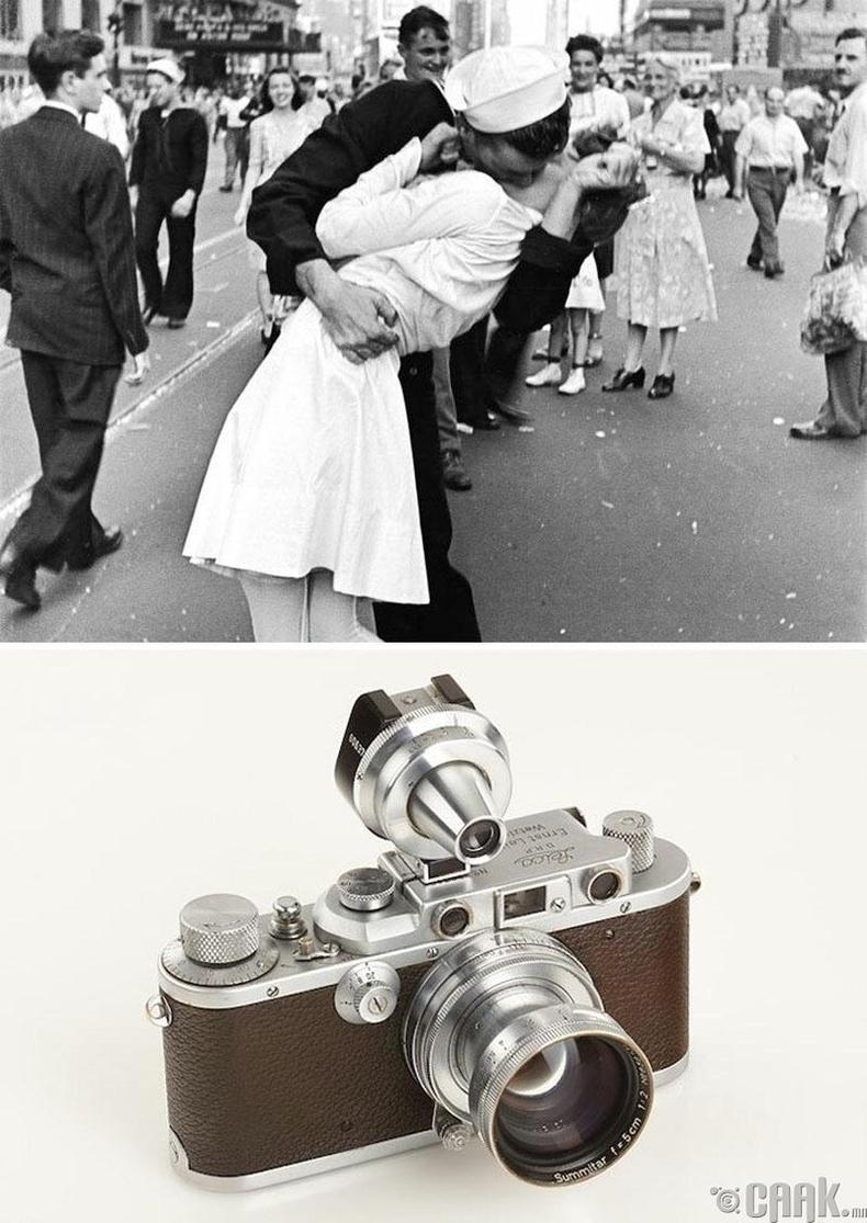 """""""Японыг ялан дийлсний дараа"""", Альфред Эйзенштат, 1945 он. """"Leica Iiia"""" камер"""